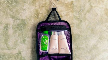 Neatpack hanging toiletry bag
