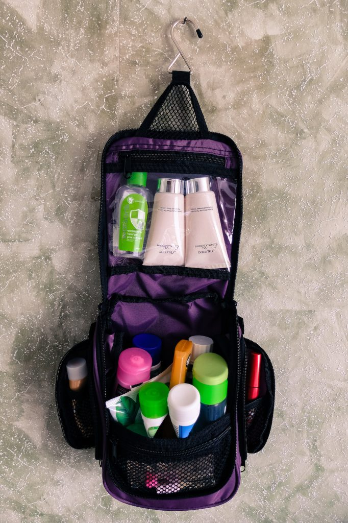 Neatpack hanging toiletry bag main compartment